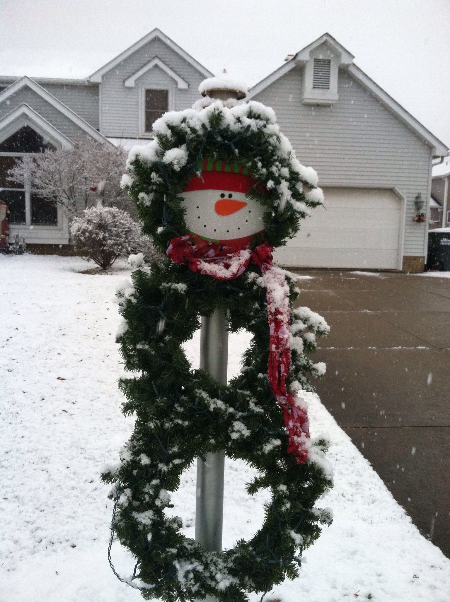 Christmas Lamp Post Decorations  Snowman wreath for lamp post Creative ol me
