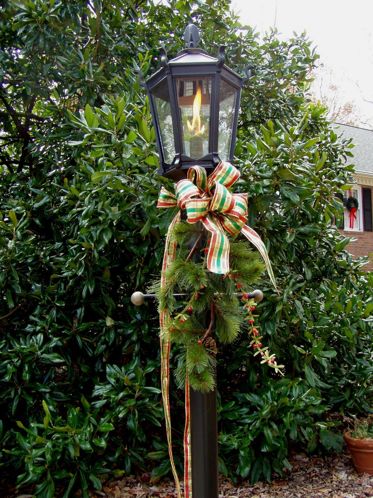 Christmas Lamp Post Decorations  Decorate for a Traditional Christmas