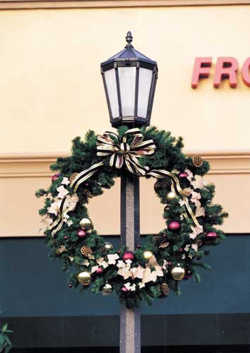 Christmas Lamp Post Decorations  Giant Outdoor Christmas Wreaths Sprays and Greenery