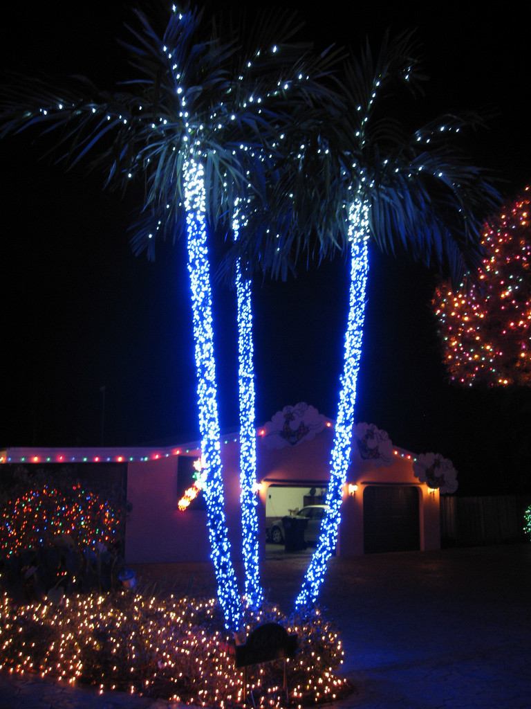 Christmas Lighting Videos  Top 10 Biggest Outdoor Christmas Lights House Decorations