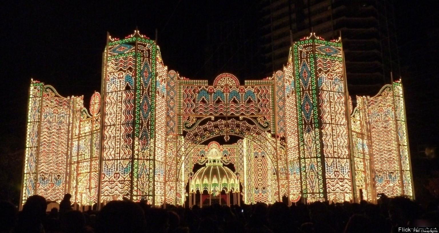 Christmas Lighting Videos  10 Amazing Christmas Light Displays Around The World
