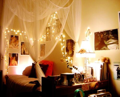 Christmas Lights In Bedroom  Christmas Lights in 8 Bedrooms