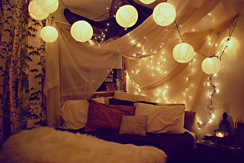 Christmas Lights In Bedroom  45 Ideas To Hang Christmas Lights In A Bedroom Shelterness