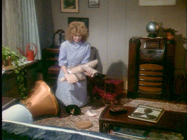 """Christmas Movie With Leg Lamp  """"A Christmas Story """" Ralphie s House in Indiana Hooked"""