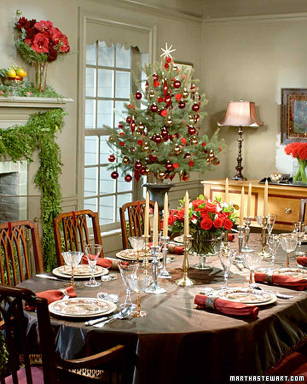 Christmas Party Centerpiece Ideas  Holiday Table Settings
