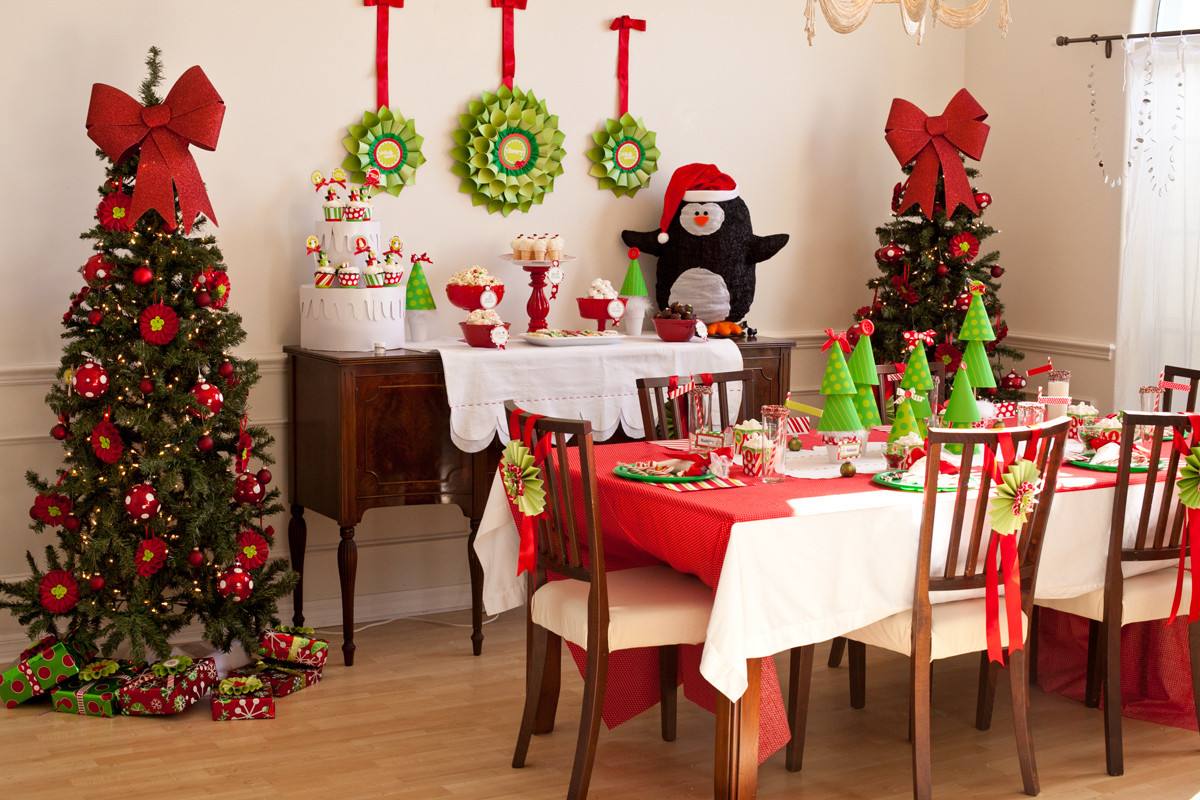 Christmas Party Ideas  23 Christmas Party Decorations That Are Never Naughty