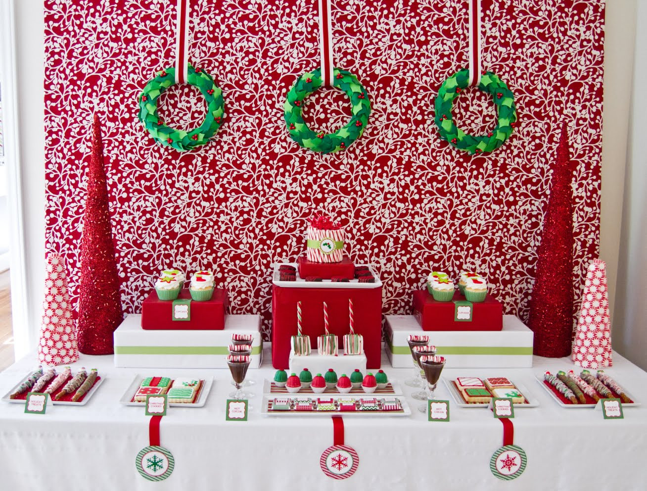 Christmas Party Ideas  5 Christmas Table Decorations