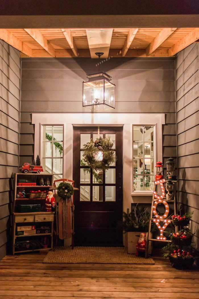 Christmas Porch Lights  1000 ideas about Christmas Front Porches on Pinterest