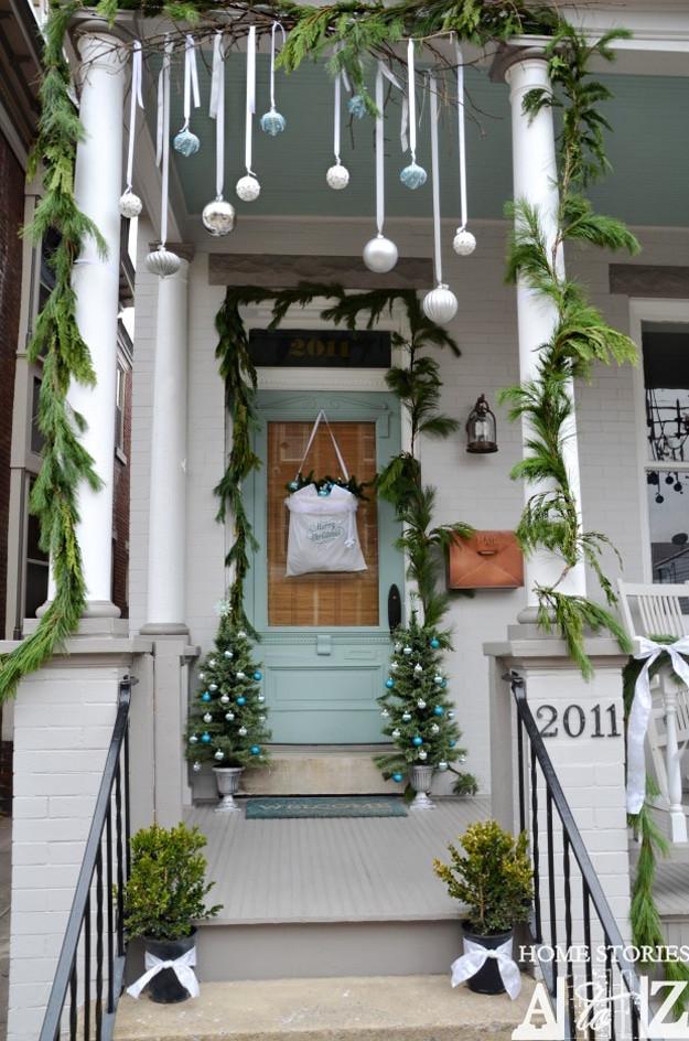 Christmas Rooftop Decorating Ideas  42 Christmas Ideas for Door Porch Decor Four