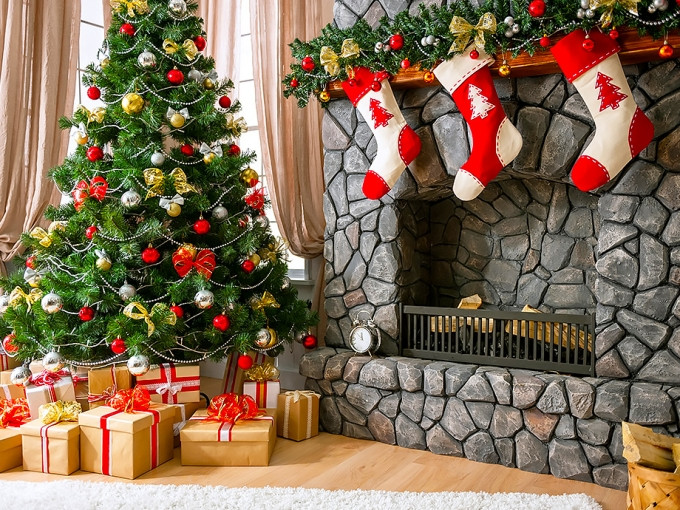 Christmas Sock Fireplace  Christmas fireplace garland – on the mantel or above