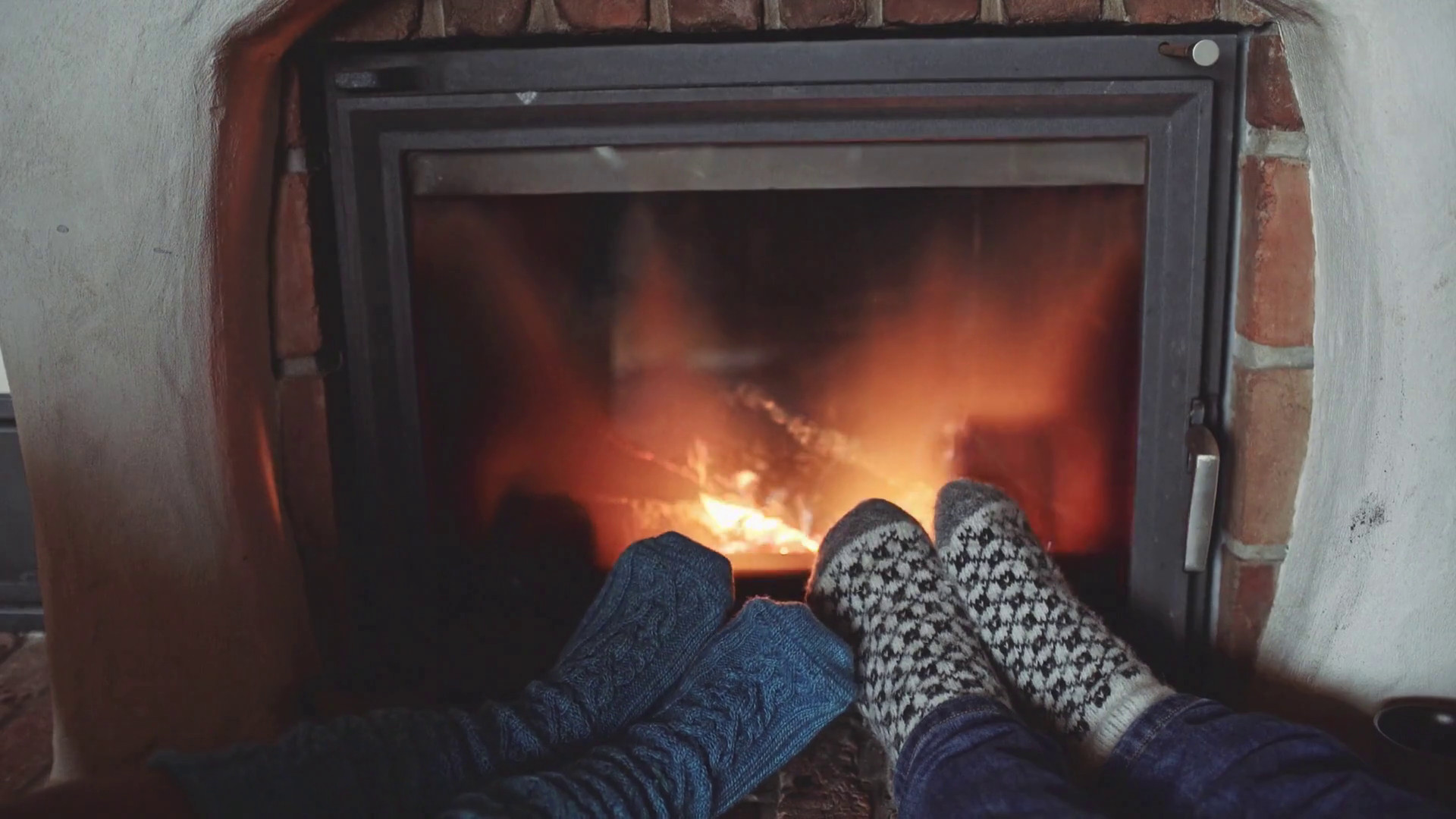 Christmas Sock Fireplace  Couple Feet in Woollen Socks by the Cozy Fireplace 4K