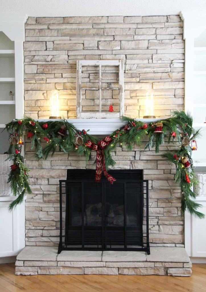 Christmas Swags For Fireplace  30 Beautiful Christmas Mantel Decorations Ideas A DIY