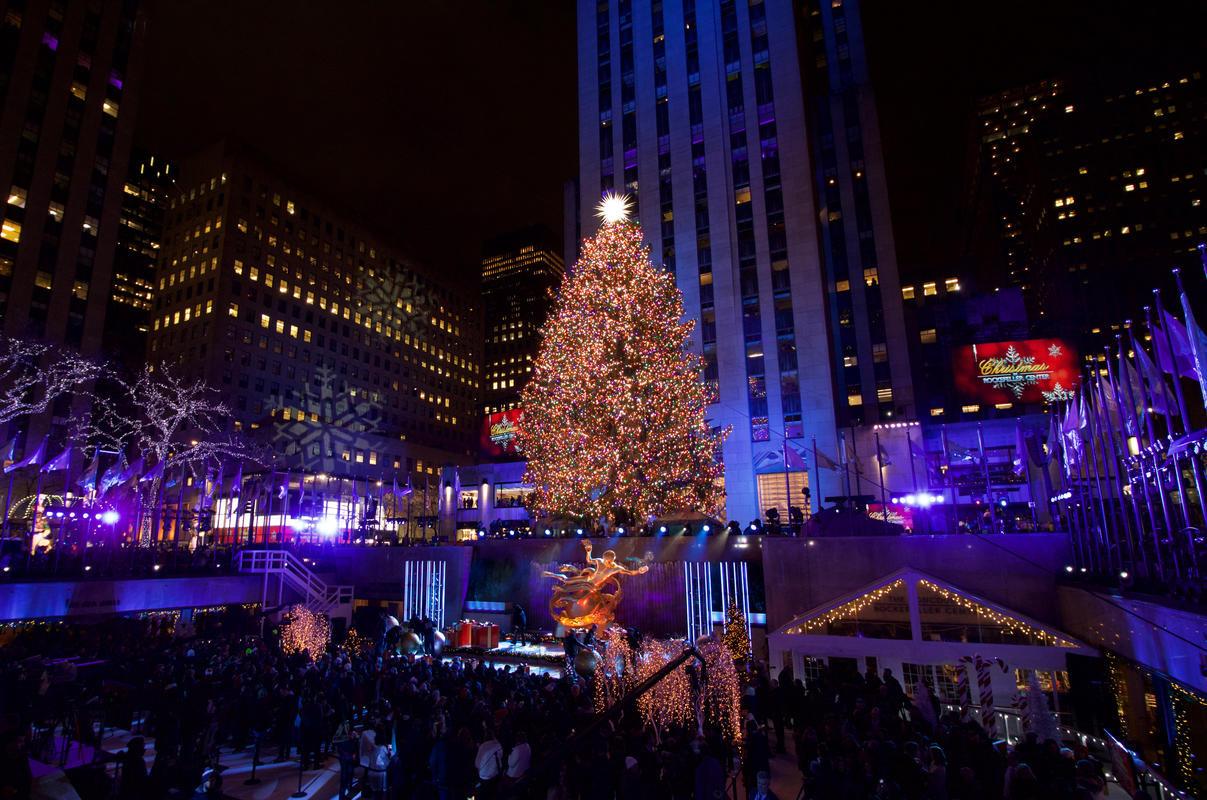 Christmas Tree Lighting 2019  s The 2018 Rockefeller Center Christmas Tree