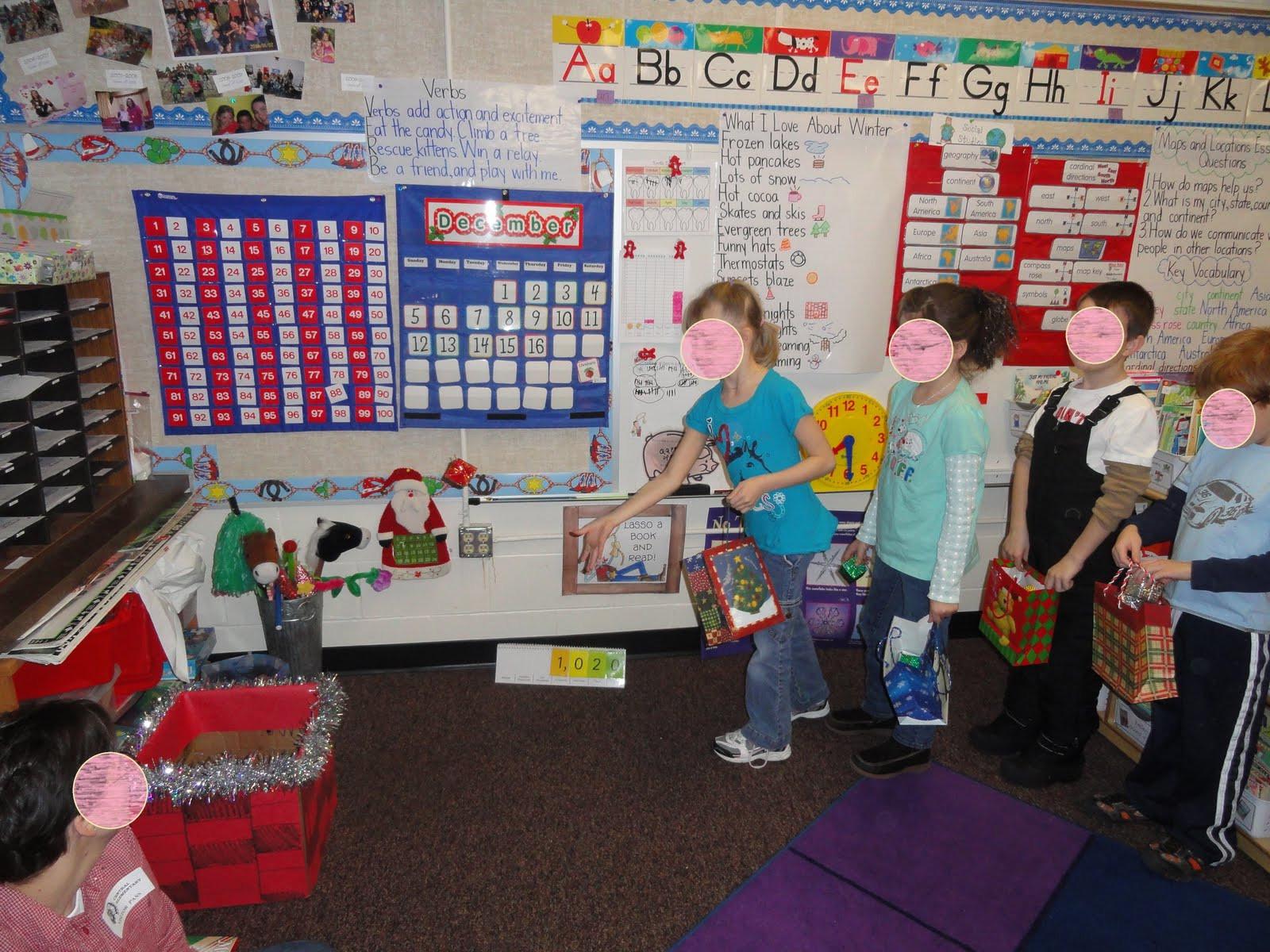 Classroom Christmas Party Ideas  Wel e to the UNI corner Christmas Party Ideas