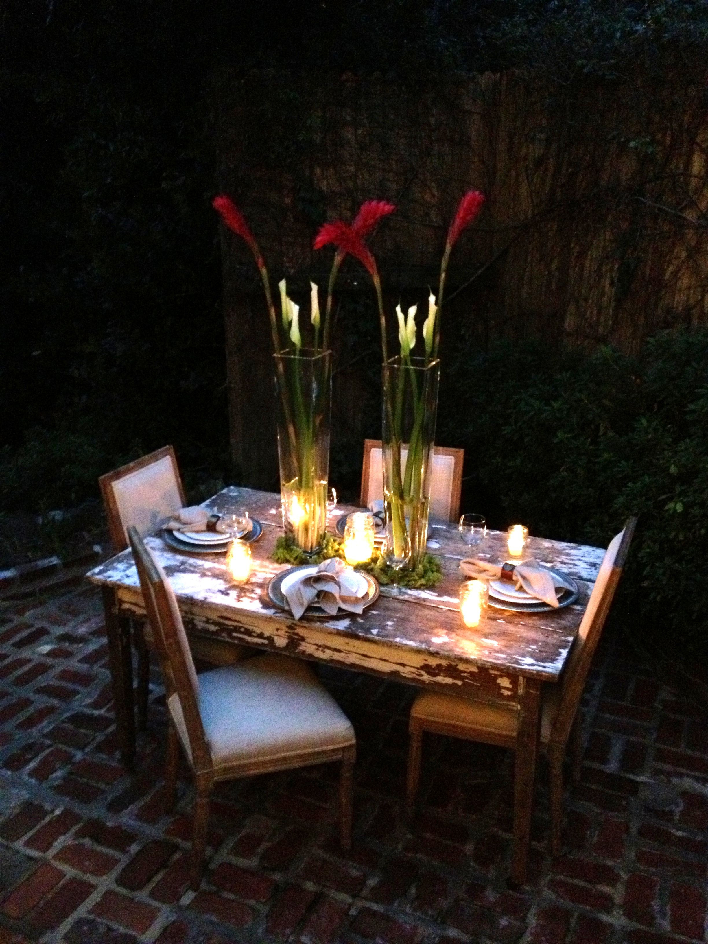 Couples Dinner Party Ideas  Couples dinner table setting that would make for a fun