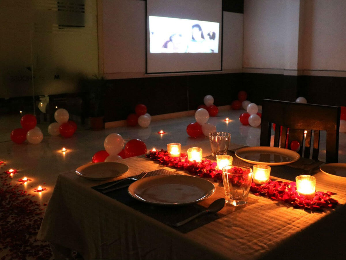 Couples Dinner Party Ideas  Candle Light Dinner Table Decoration At Home