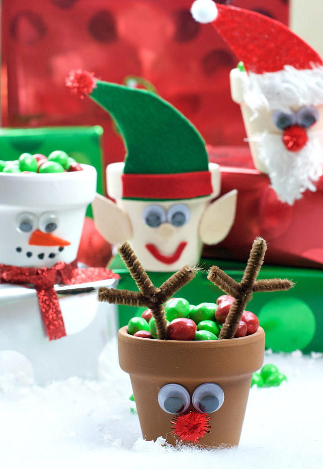 Craft To Make For Christmas  25 Cute and Simple Christmas Crafts for Everyone Crazy