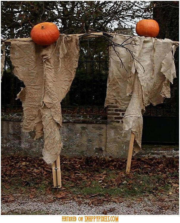 Creepy Outdoor Halloween Decorations  Best 25 Scary Halloween Decorations ideas on Pinterest