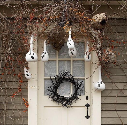 Creepy Outdoor Halloween Decorations  34 Scary Outdoor Halloween Decorations And Silhouette