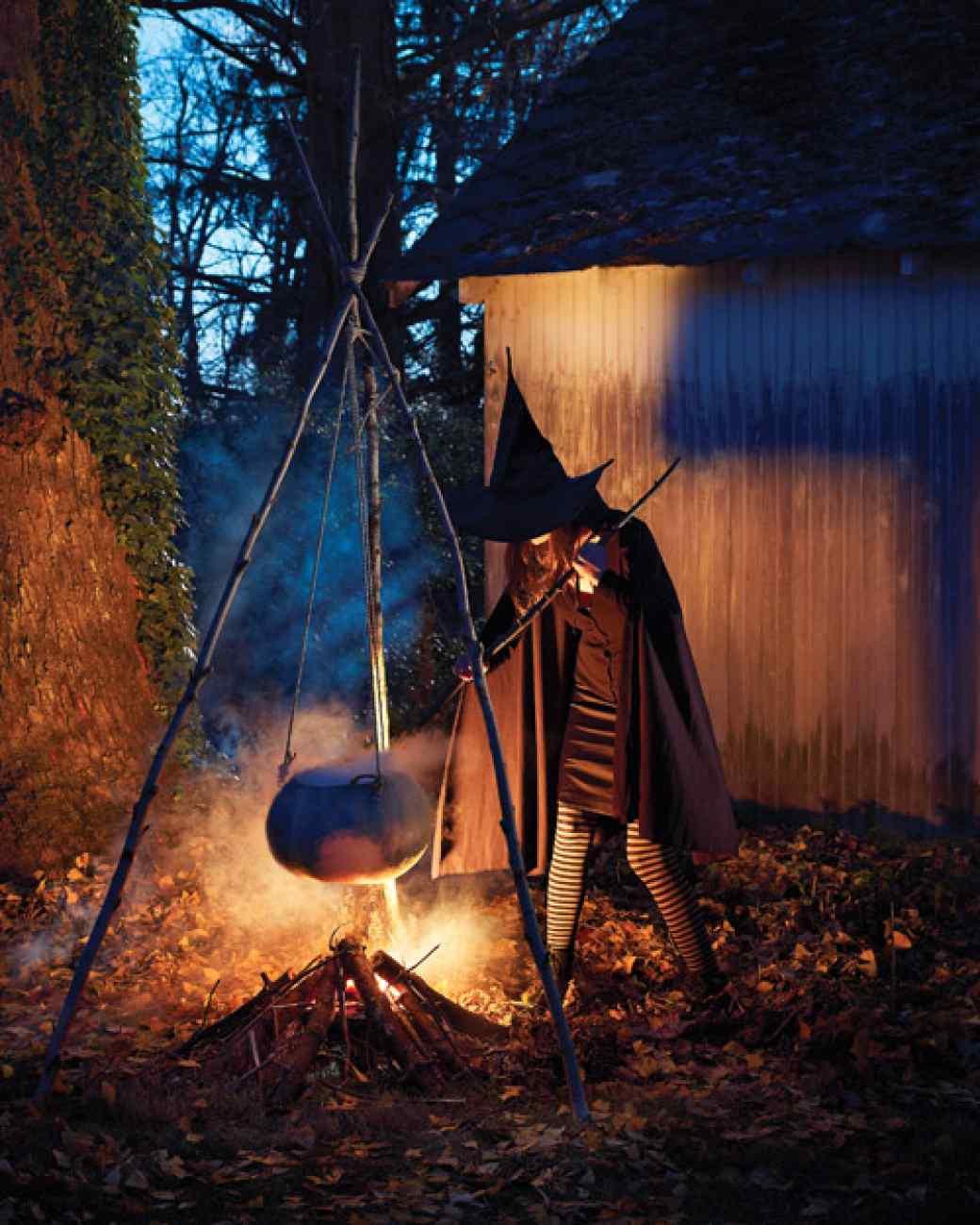 Creepy Outdoor Halloween Decorations  Easy Halloween Decor For Around Your Home