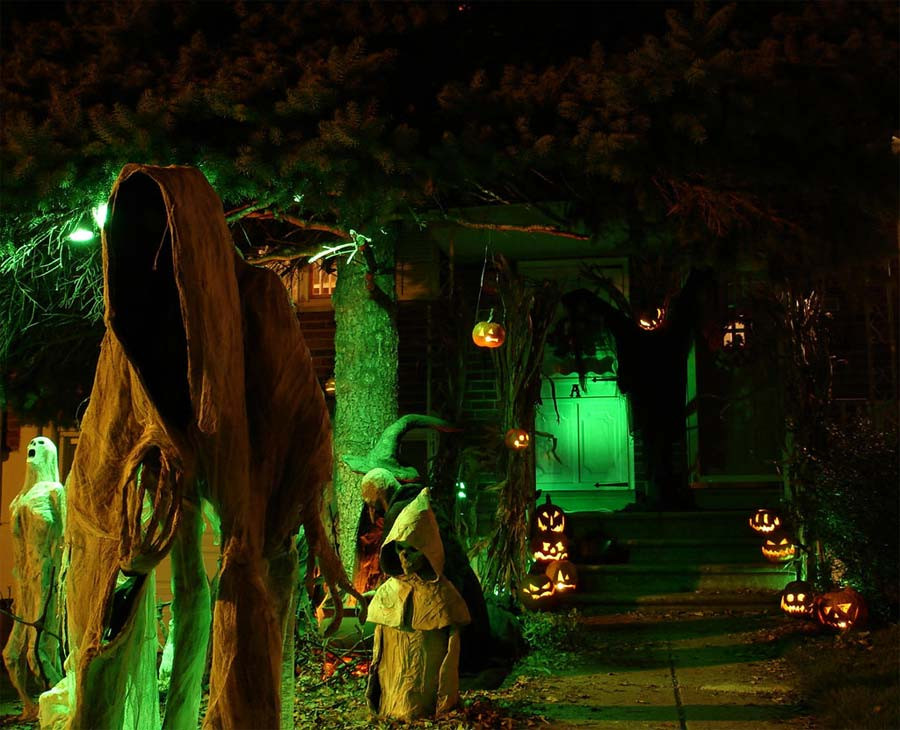 Creepy Outdoor Halloween Decorations  Halloween Decorations