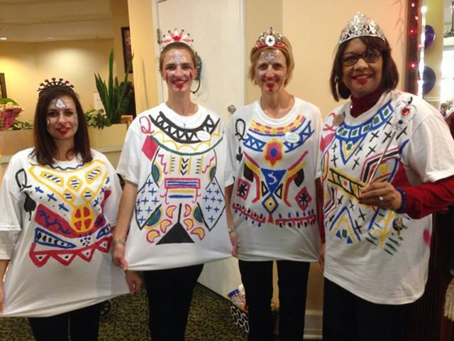 Deck Of Cards Halloween Costumes  Queens Costume For a cheap and easy group costume a group