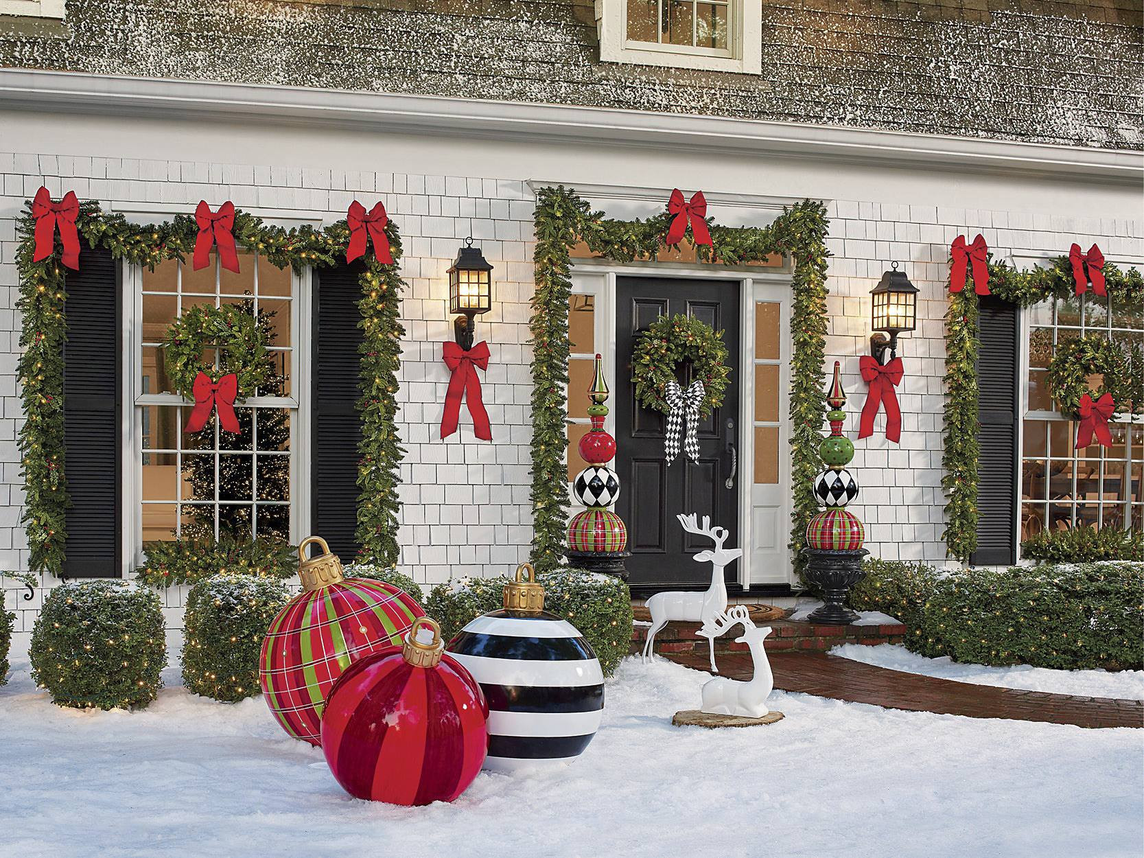 Decorate Front Porch For Christmas  Christmas Porch Decorations 15 Holly Jolly Looks