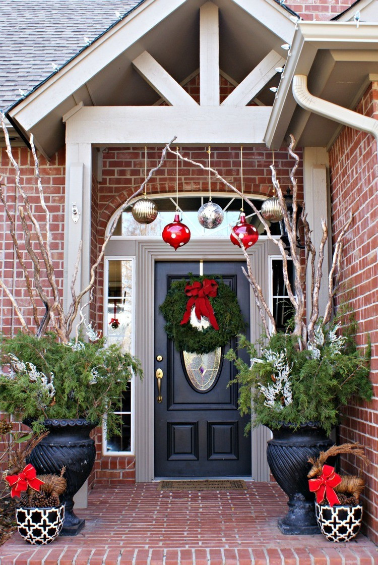 Decorate Front Porch For Christmas  Christmas Decorating Ideas For Porch Festival Around the