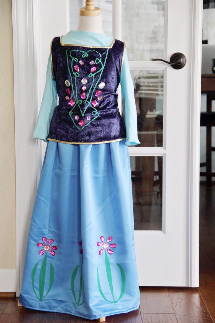 DIY Anna Costumes  Anna Costume DIY The Sewing Rabbit