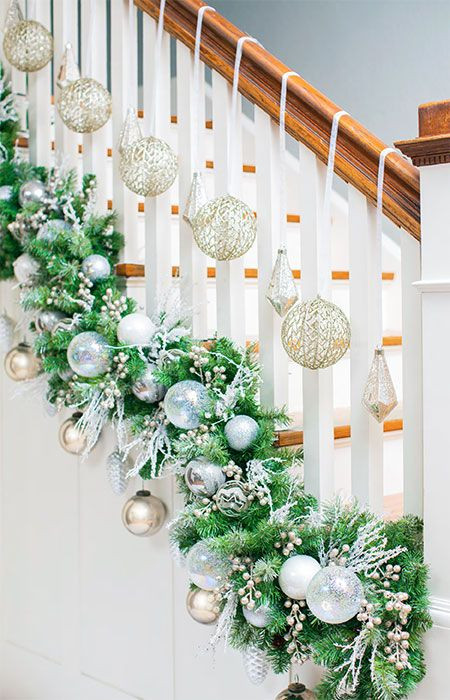 DIY Christmas Garland Ideas  Make your staircase garland display unique Use zip ties