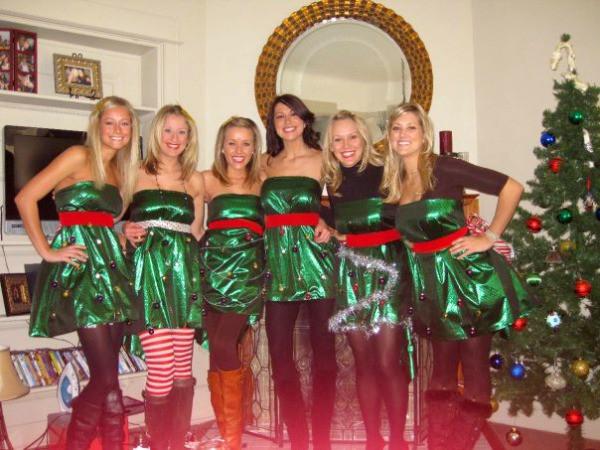DIY Christmas Tree Costumes  GROUPS DIY Christmas tree costumes Really Awesome Costumes