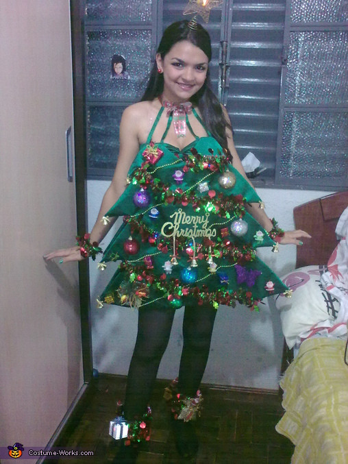 DIY Christmas Tree Costumes  Christmas Tree Costume Inspired by Katy Perry 2 5