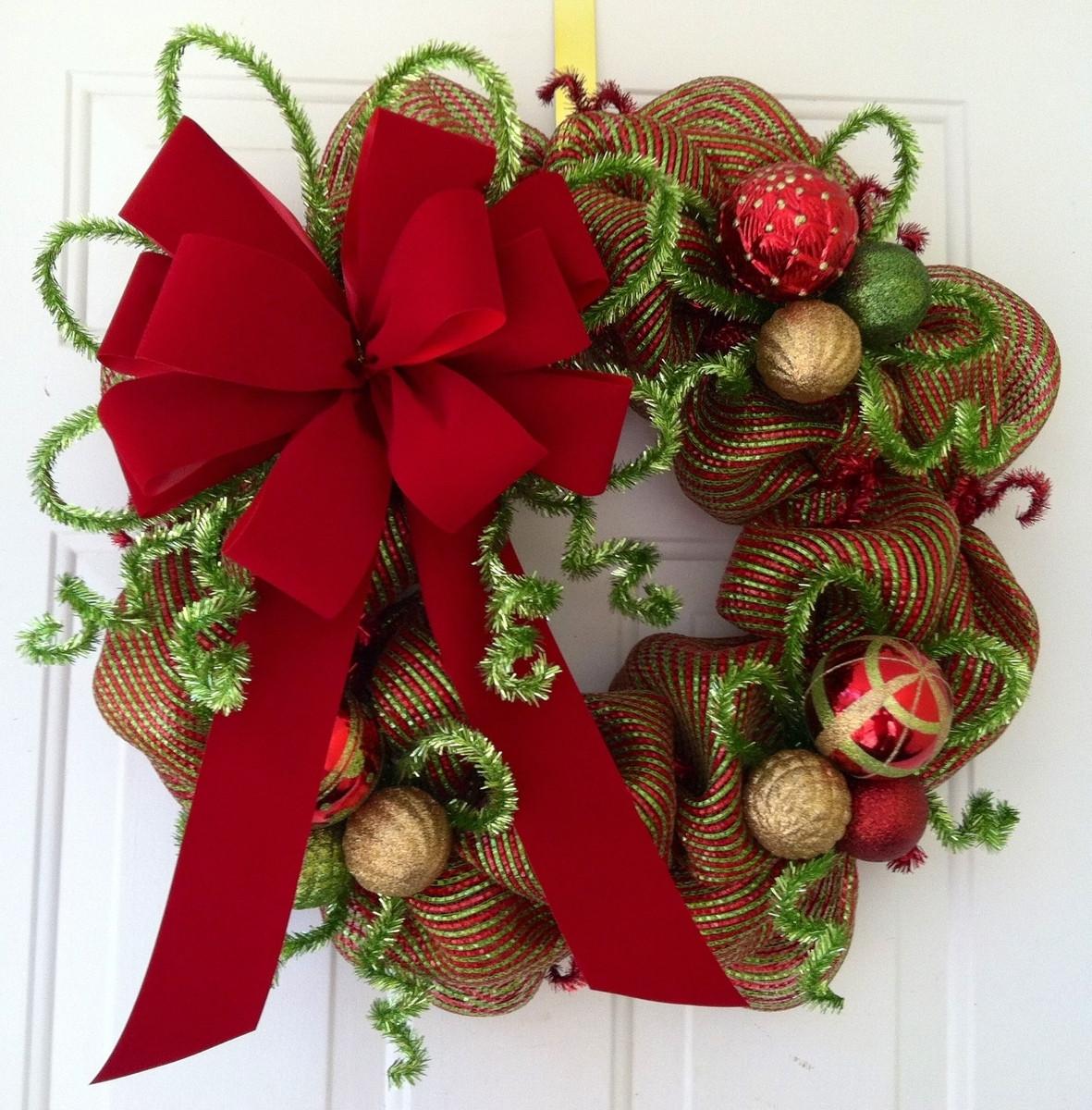 DIY Christmas Wreath Ideas  Make A Diy Christmas Wreaths Yourself To Celebrate The