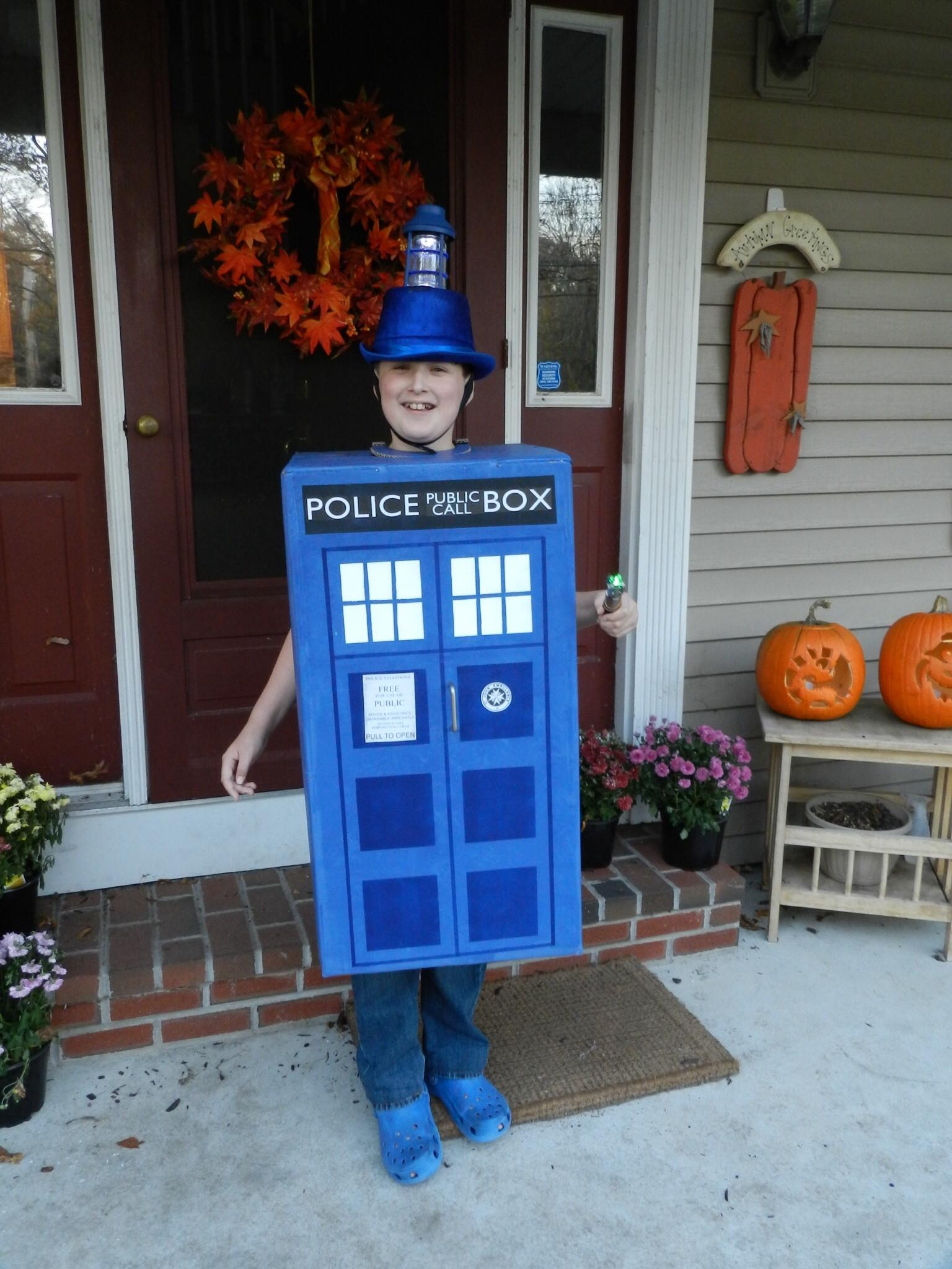 DIY Doctor Costumes  DIY Tardis Costume