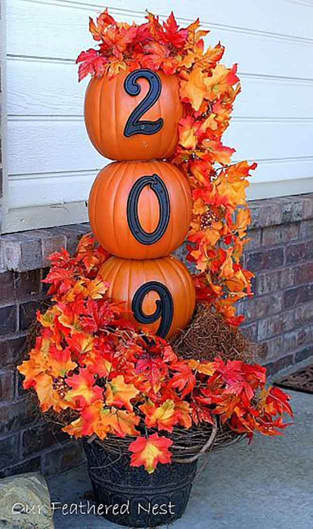 Diy Outdoor Fall Decor  Fall Door Decorations and Wreaths DIY Projects Craft Ideas