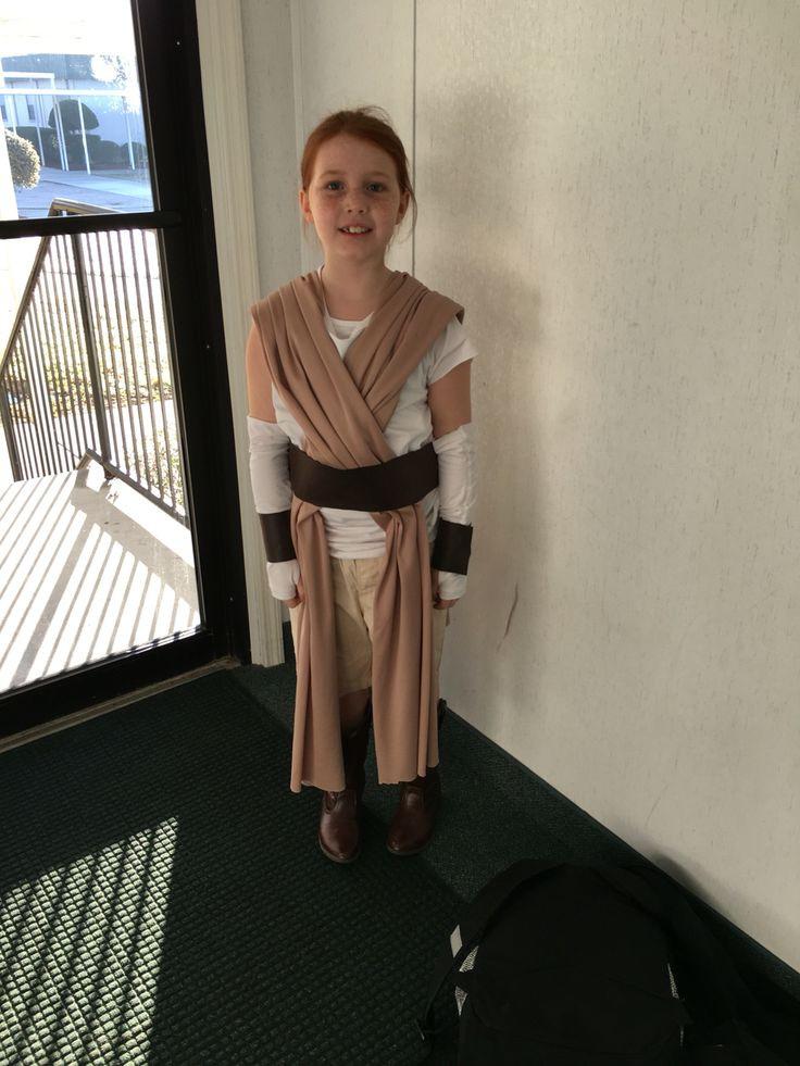 DIY Rey Costume  DIY no sew Rey Star Wars Costume using long fabric pieces
