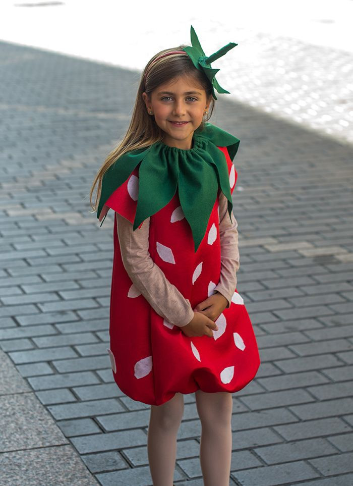 DIY Strawberry Costume  Best 25 Strawberry costume ideas on Pinterest