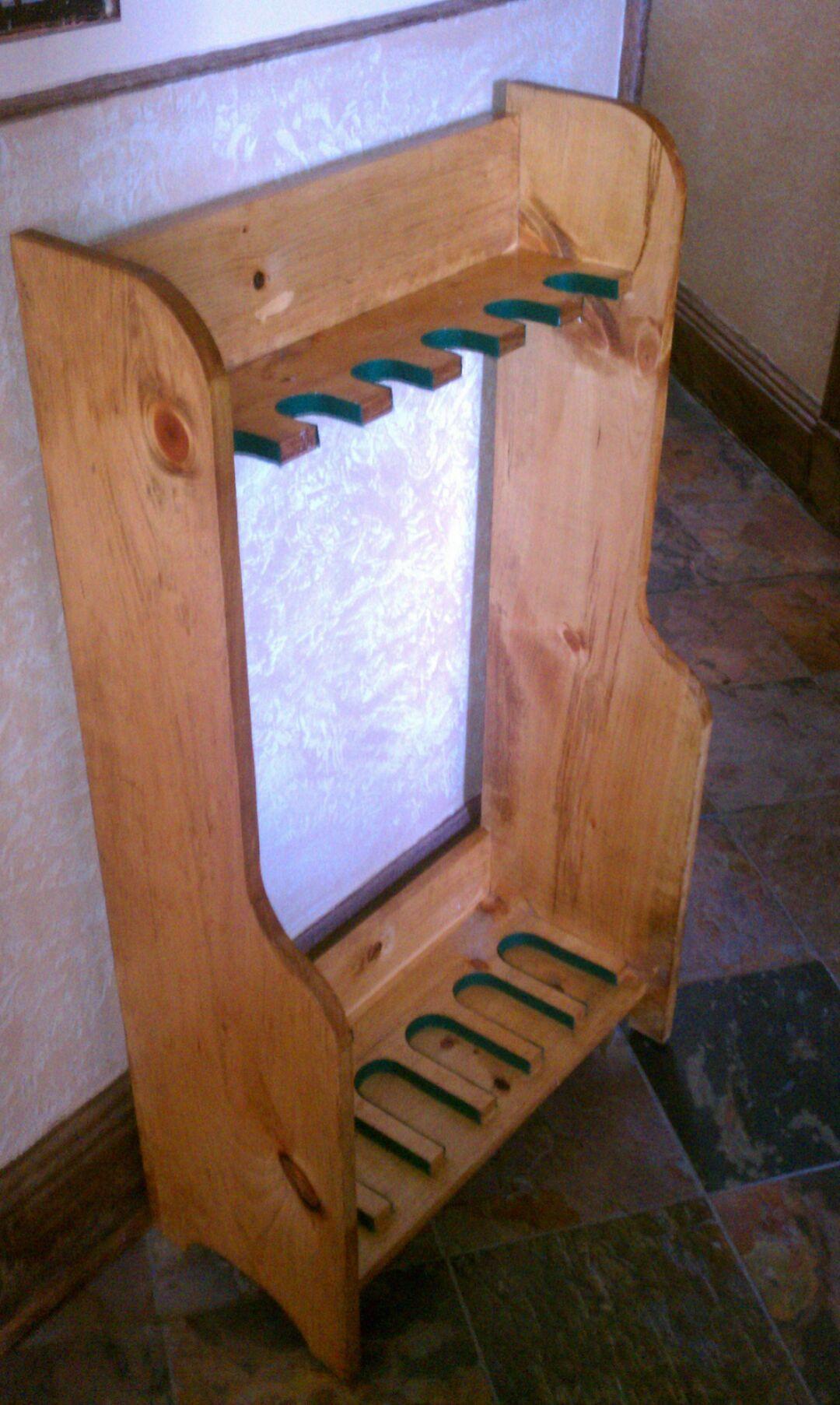 DIY Vertical Gun Rack  Gun rack made from old pallet