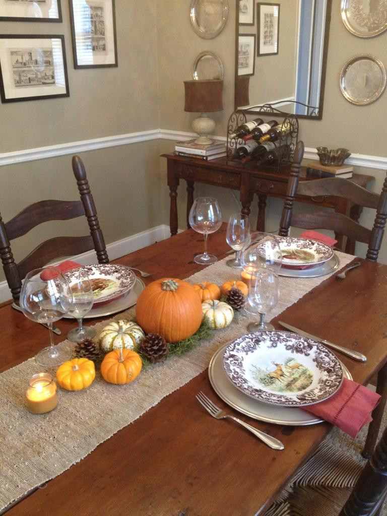 Easy Thanksgiving Table Decorations  Simple Table Settings & Aqua Linens Spice Up Simple White