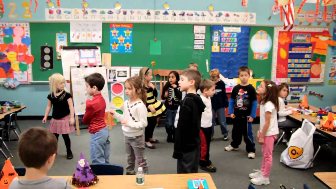 Elementary School Christmas Party Ideas  2010 Halloween Party at Penn Wood Elementary Mrs Russell