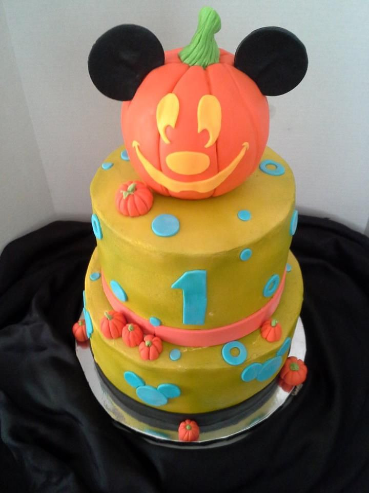 First Birthday Halloween Party Ideas  Made this for Luca s 1st birthday party Mickeys
