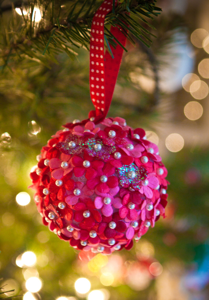 Flower Christmas Ornaments  10 DIY Christmas Ornaments You Can Make with Your Kids