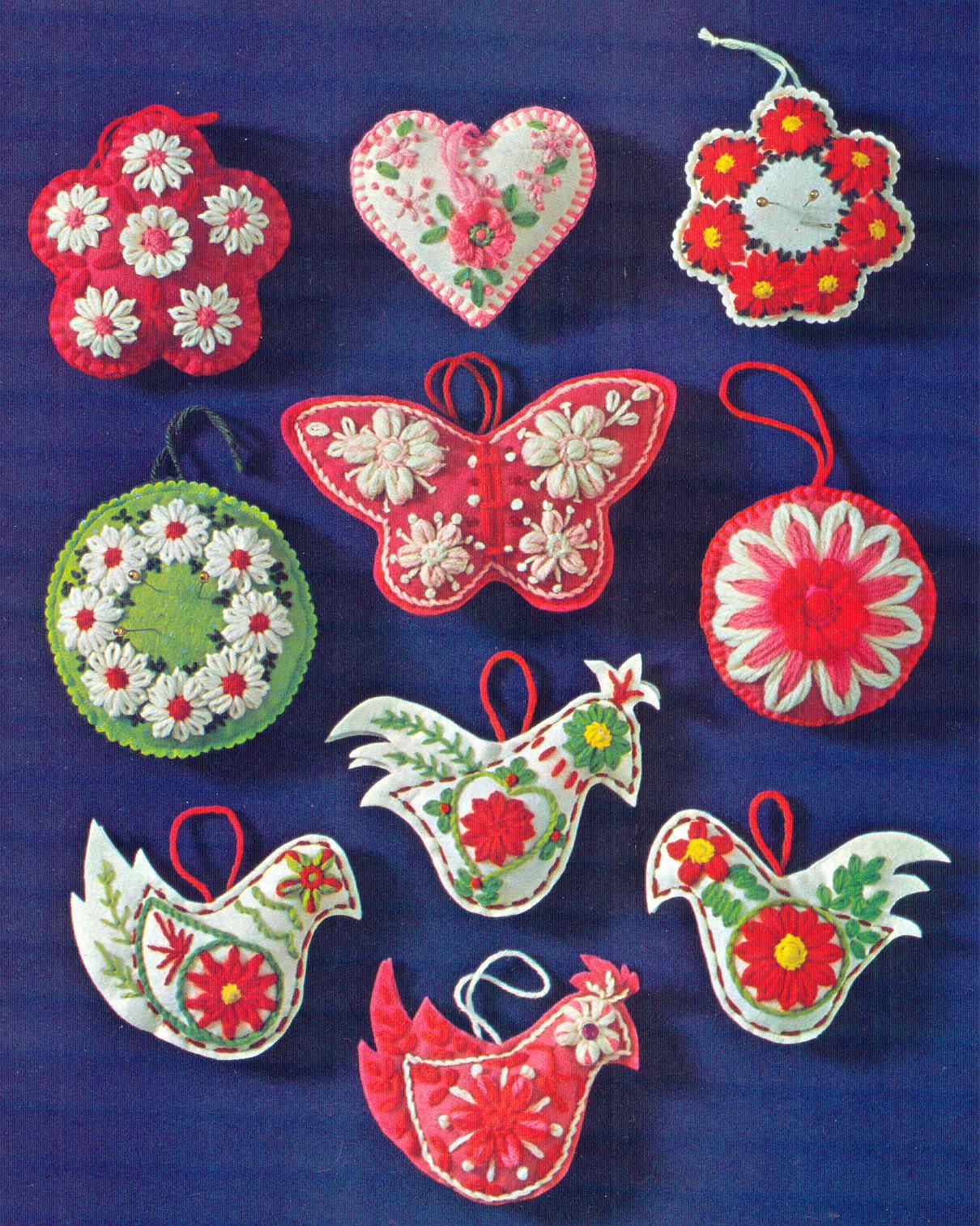 Flower Christmas Ornaments  gold country girls Studio Twelve Flower Loom