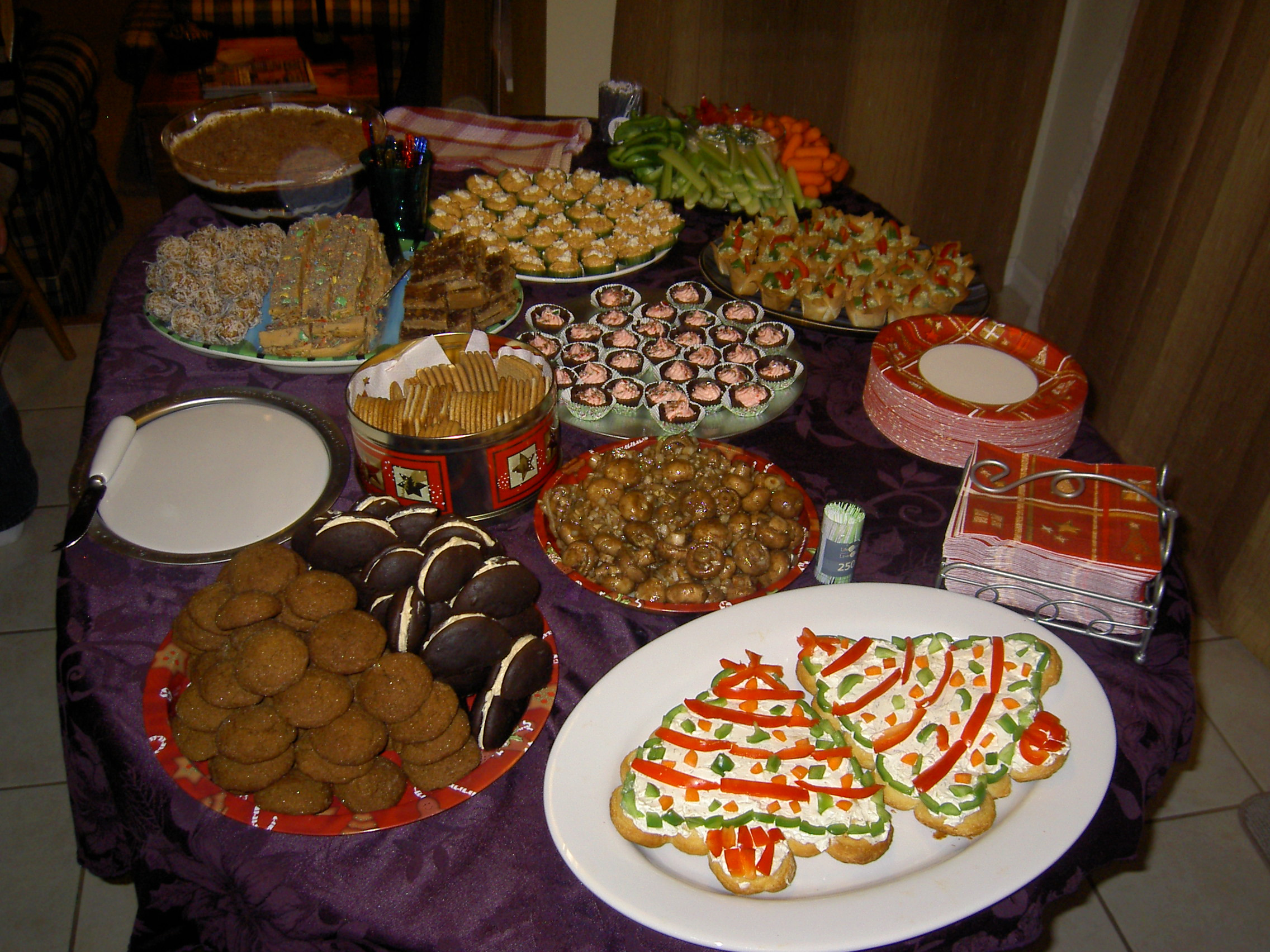 Food Ideas For A Christmas Party  Do you know the world of Whoopie Pies