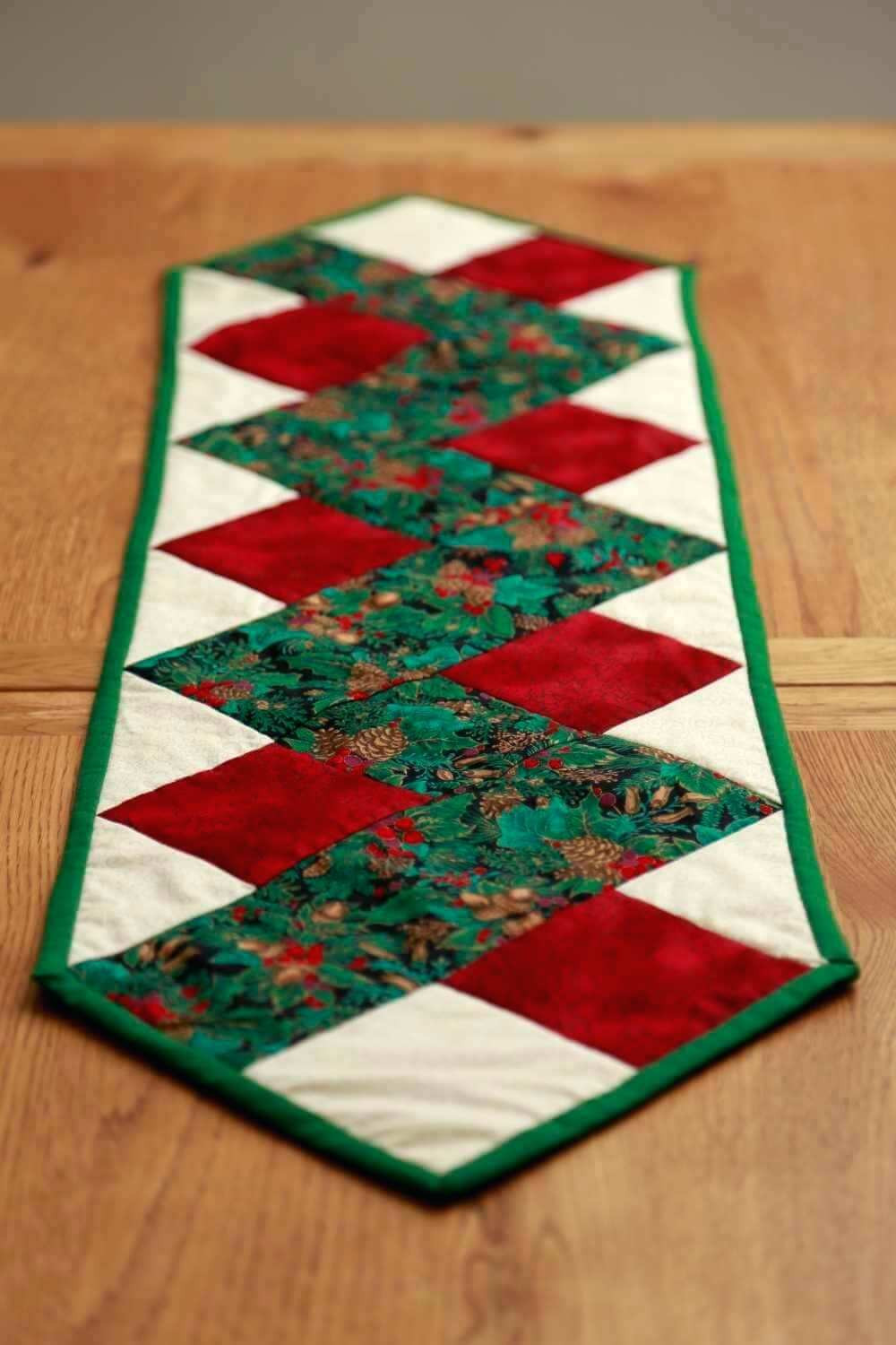 Free Christmas Table Runner Patterns  A Handmade Christmas – Gift Ideas 12 of 12 – Tablerunners