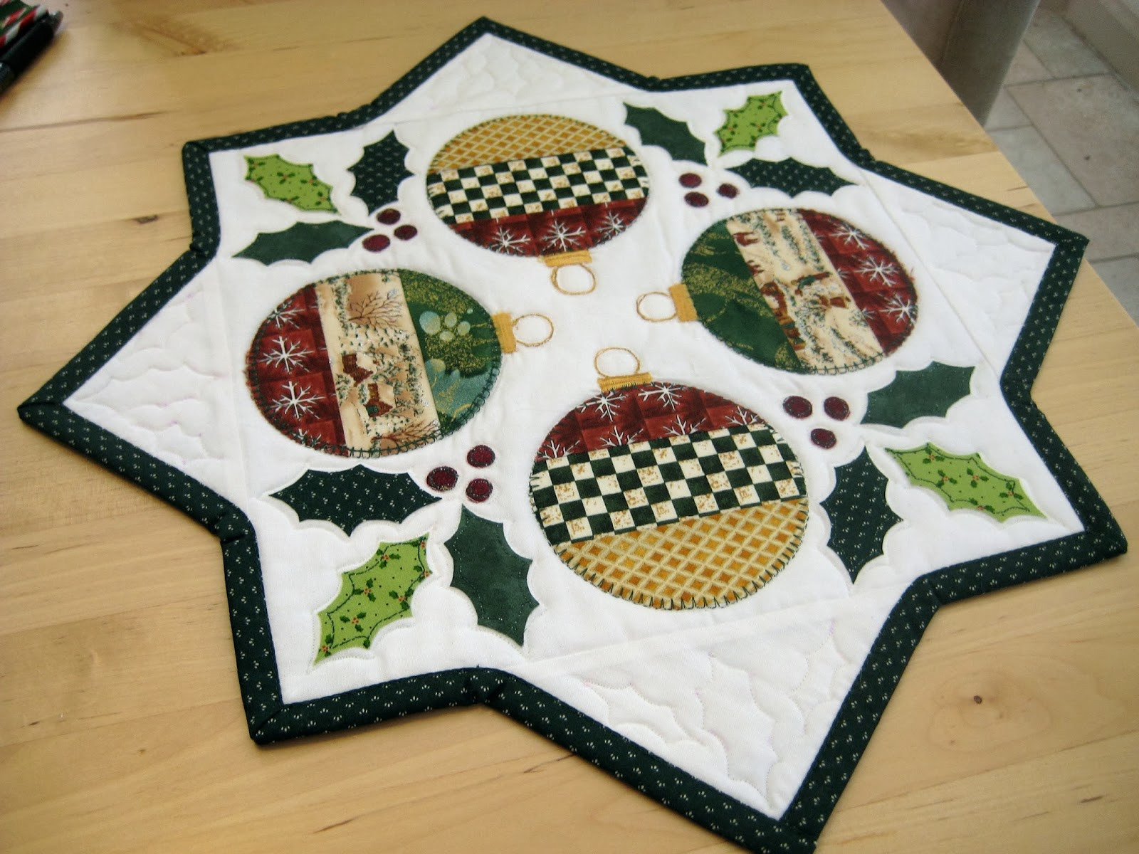 Free Christmas Table Runner Patterns  Quilt Inspiration Free pattern day Christmas Table Runners