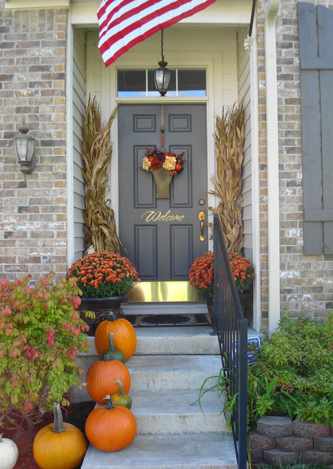 Front Porch Fall Decorating Pictures  22 Fall Front Porch Ideas veranda