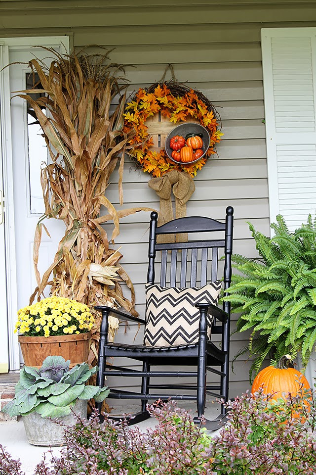 Front Porch Fall Decorating Pictures  85 Pretty Autumn Porch Décor Ideas DigsDigs