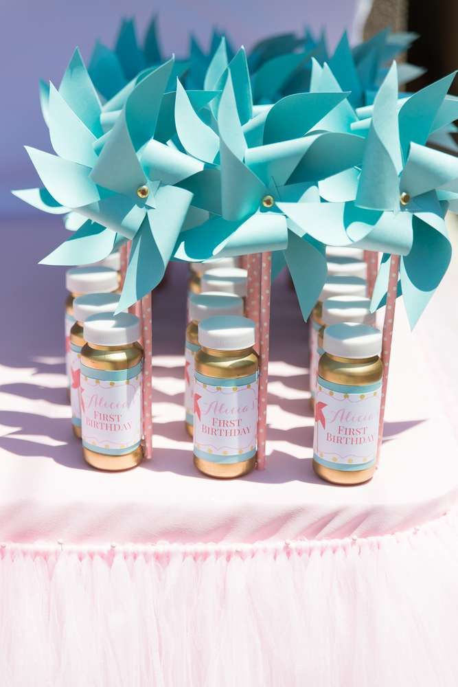 Girls Birthday Party Favors  25 best ideas about Birthday party favors on Pinterest