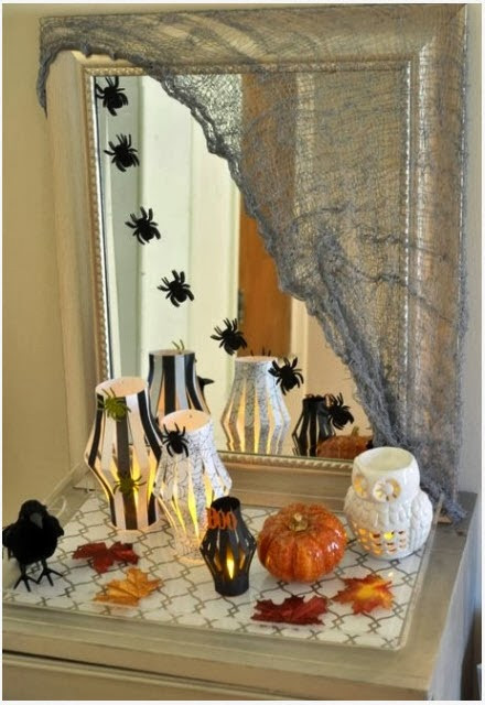 Halloween Bathroom Decor  To da loos 11 Halloween mirrors to spook up your bathroom